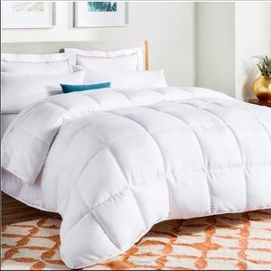 🎀 White Down Alternative Quilted Comforter New